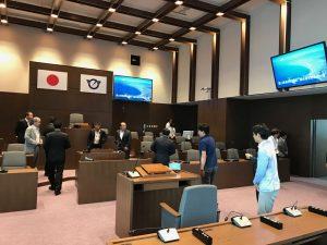 新しい庁舎で議場も新しい藤沢市議会の議場