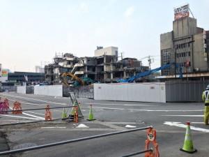 高岡駅前・駅前ビルの解体の模様