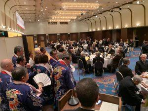 元二塚分団長堀さんの叙勲祝賀会で木遣りを披露する準備に。