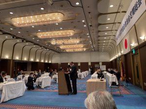 総会で退任の挨拶をされる杉江会長