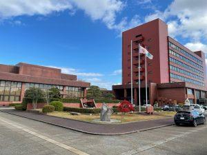 12月定例議会前にお約束の市役所と議会棟の写真を・・・