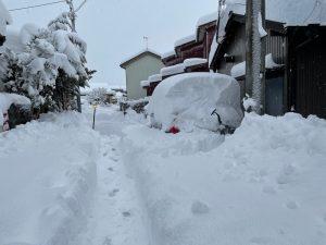 久々に除雪で汗をかきました。