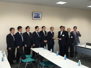 JR東日本本社にて「かがやき」停車の要望書を役員の方へ