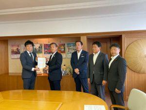 未来創政会で角田市長にコロナ対策の要望書を提出