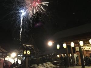 高岡射水神社での年越し。今年の雑踏警備は雪が少なく安心して参拝していただきました。