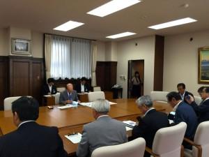 県庁で石井知事への要望活動。