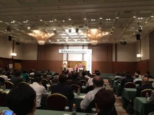 富山第一ホテルで行われた日台友好議員連盟で講演する金美齢氏。