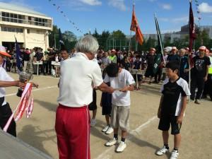 第35回定塚校下住民運動会の表彰式。