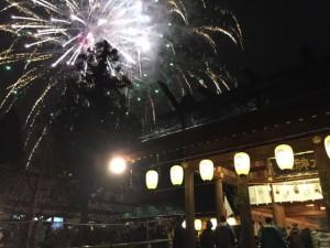 新年を古城公園の射水神社の境内で迎えました。