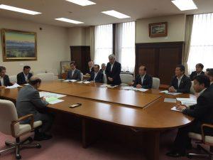 石井知事をはじめ高岡市の要望をお願いに県庁へ。